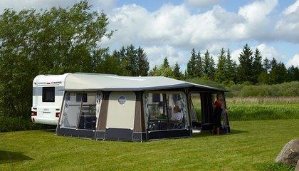 Voortenten tak caravans for Luifel caravan aanbieding