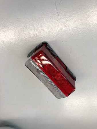 Breedtelicht rood/wit 92x42mm Jokon rechthoekig